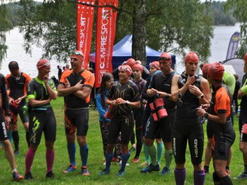 Löpare innan start på Skatås sjöar