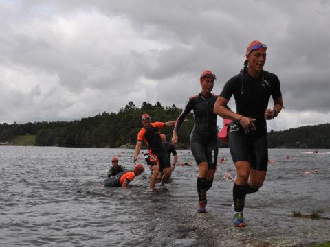 Swimrunners vid uppgång Stora Delsjön
